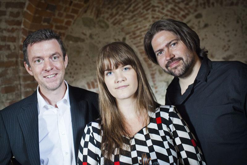 Ahlberg, Ek & Roswall - Fotograf; Anna Gullmark
